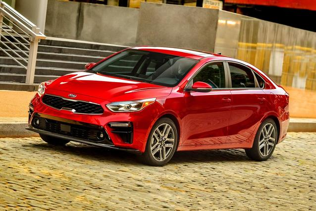2019 Kia Forte S 4dr Car Slide 0