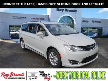 2019 Chrysler Pacifica TOURING L PLUS Mini-van, Passenger