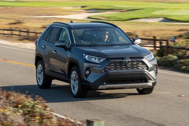 2019 Toyota RAV4 LE LE FWD Sport Utility Slide 0