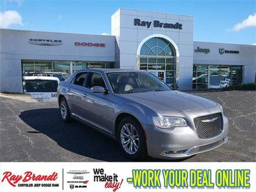 2017 Chrysler 300 300C 4dr Car