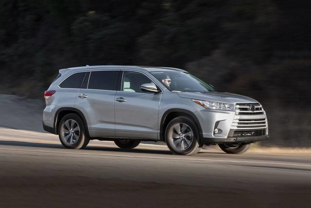 2019 Toyota Highlander LIMITED PLATINUM SUV Slide 0
