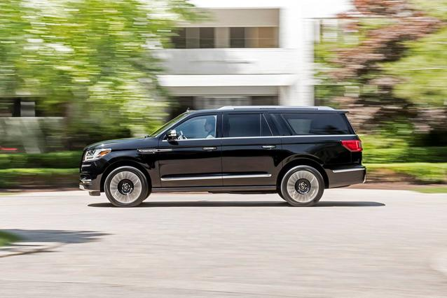 2019 Lincoln Navigator BLACK LABEL 4D Sport Utility Huntington NY