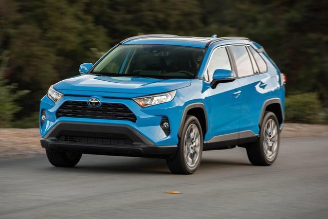 2019 Toyota RAV4 XLE PREMIUM XLE PREMIUM AWD Sport Utility Slide 0