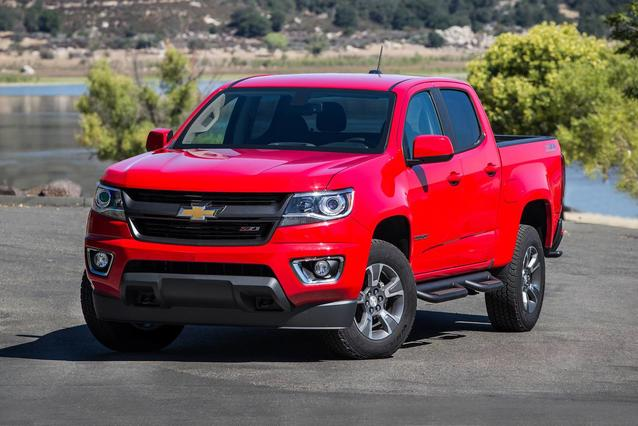 2019 Chevrolet Colorado LT 4x2 LT 4dr Crew Cab 5 ft. SB Slide 0