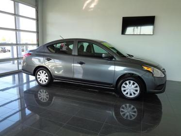 2019 Nissan Versa S MANUAL  NC