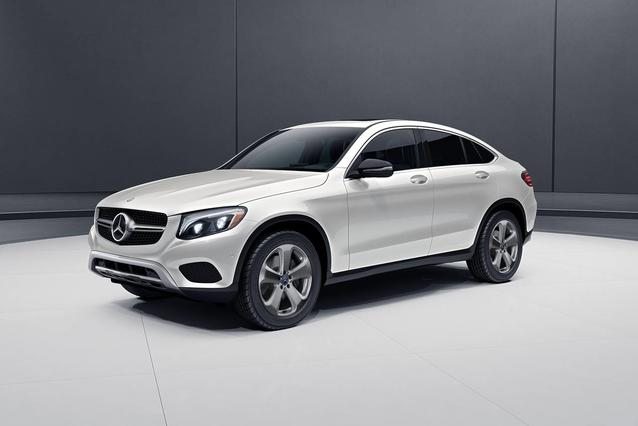 2019 Mercedes-Benz GLC 300 SUV Slide 0
