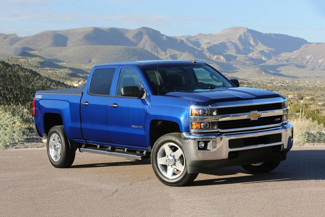 2019 Chevrolet Silverado 2500HD HIGH COUNTRY Pickup Slide 0