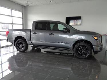 2019 Nissan Titan 4X4 CREW CAB SL Goldsboro NC