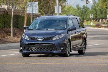 2019 Toyota Sienna LIMITED LIMITED FWD 7-PASSENGER Mini-van, Passenger Merriam KS