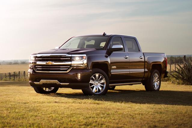 2017 Chevrolet Silverado 1500 LTZ Short Bed Slide 0