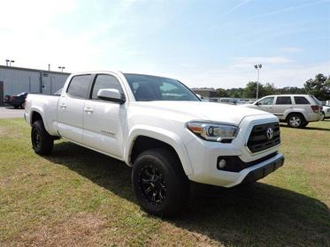 2017 Toyota Tacoma SR5 DOUBLE CAB 6' BED V6 4X2 AT  NC