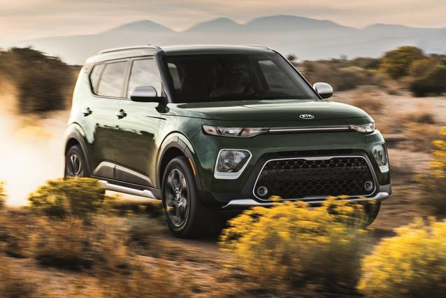 2020 Kia Soul  Hatchback Slide 0