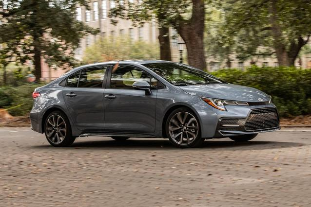 2020 Toyota Corolla SE SE MANUAL 4dr Car Slide 0