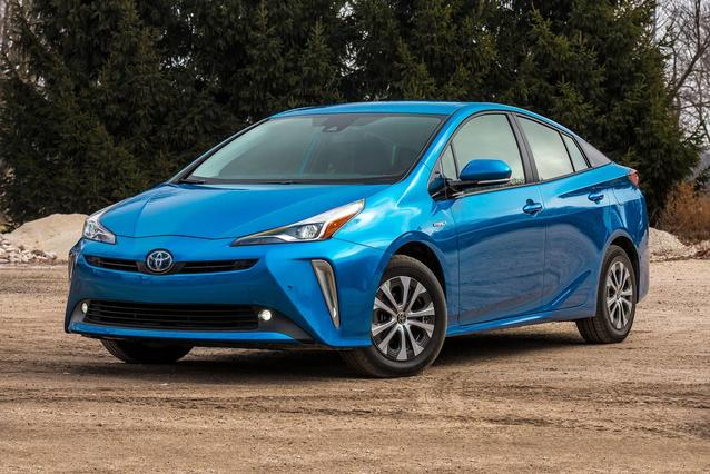 2019 Toyota Prius LIMITED Slide 0