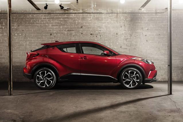 2019 Toyota C-HR LE LE FWD Sport Utility Slide 0