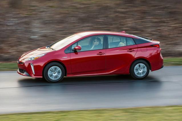 2019 Toyota Prius LE LE Hatchback Slide 0