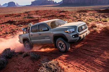 White 2018 Toyota Tacoma TRD OFF-ROAD 4x4 TRD Off-Road 4dr Double Cab 5.0 ft SB 6A Asheboro NC