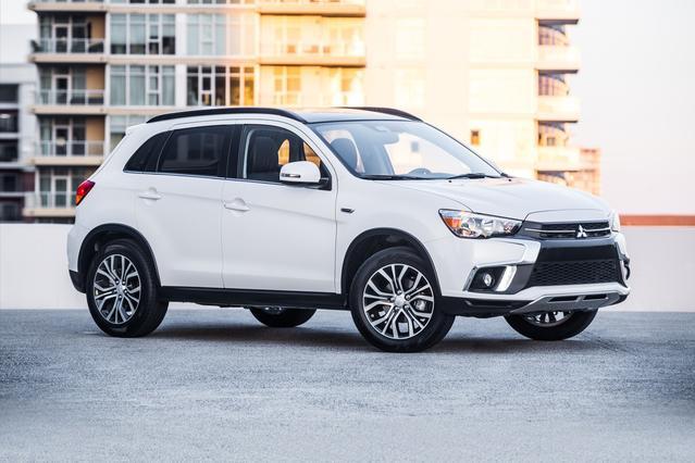 2018 Mitsubishi Outlander Sport ES SUV Slide 0
