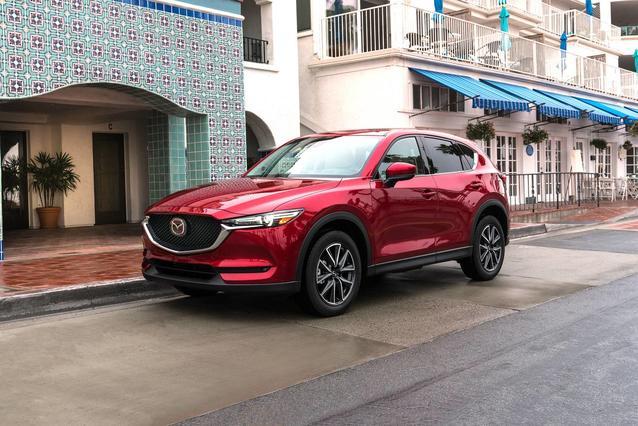 2017 Mazda Mazda CX-5 GRAND TOURING SUV Slide 0