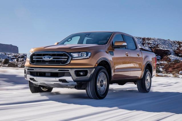 2019 Ford Ranger LARIAT Short Bed Slide 0