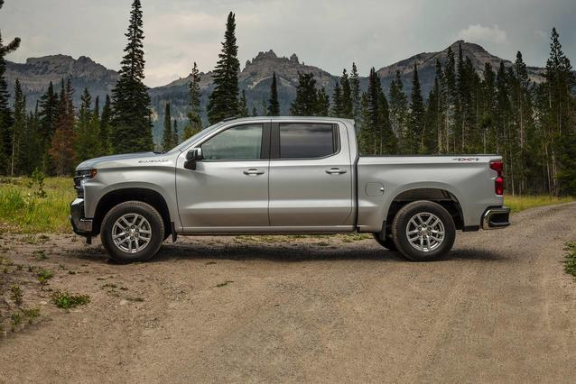 2019 Chevrolet Silverado 1500 CUSTOM TRAIL BOSS Slide 0