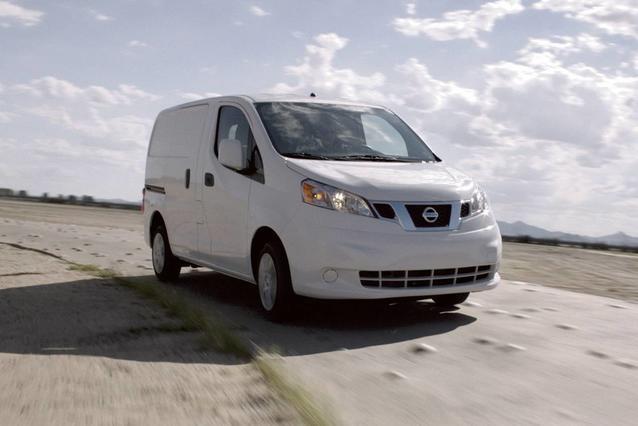 2019 Nissan NV200 SV Van Slide 0