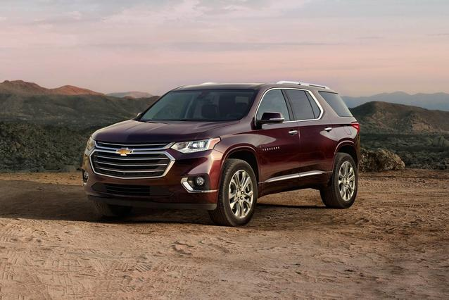2019 Chevrolet Traverse HIGH COUNTRY Sport Utility Slide 0