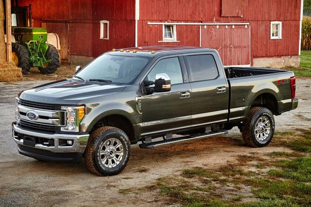 2017 Ford F-250SD XLT Crew Cab Pickup Slide 0