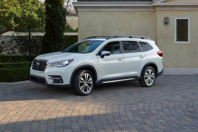 2019 Subaru Ascent LIMITED SUV Slide 0