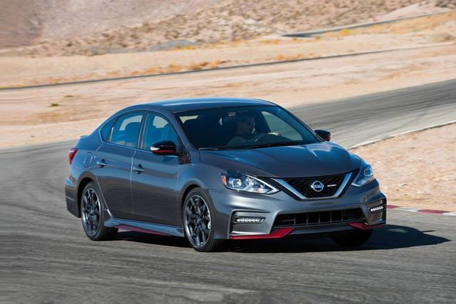 2018 Nissan Sentra SR Slide 0