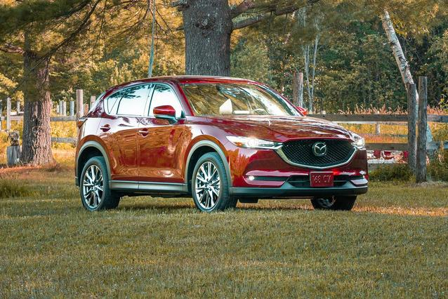 2019 Mazda Mazda CX-5 GRAND TOURING RESERVE Sport Utility Slide 0
