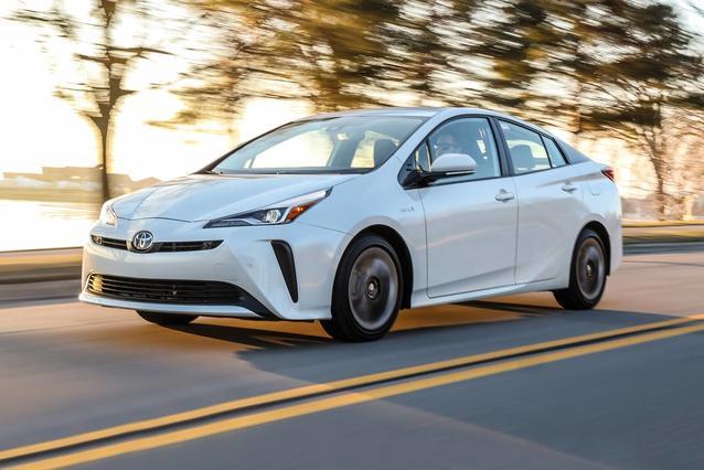 2019 Toyota Prius LE Slide 0