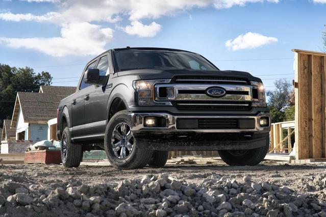2018 Ford F-150 PLATINUM Crew Cab Pickup Slide 0