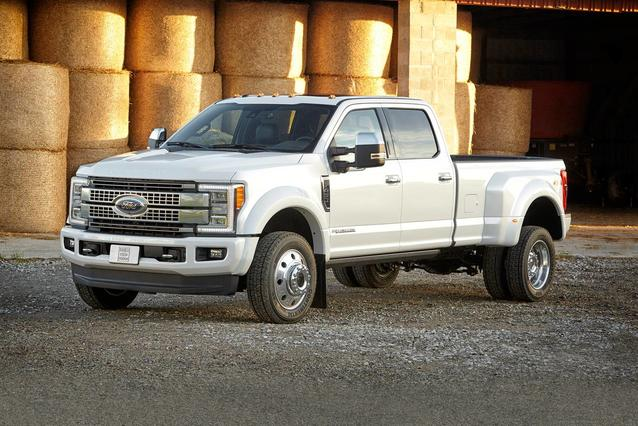 2019 Ford F-450SD PLATINUM Crew Cab Pickup Slide 0