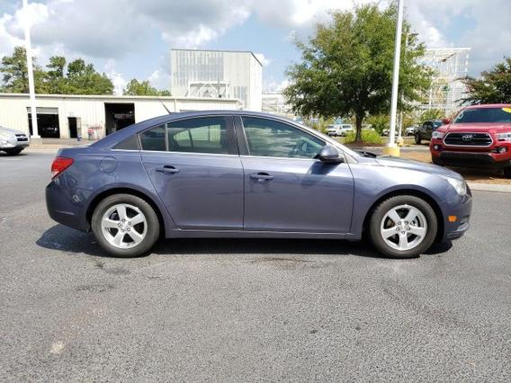 2013 Chevrolet Cruze 1LT 4dr Car Slide 0