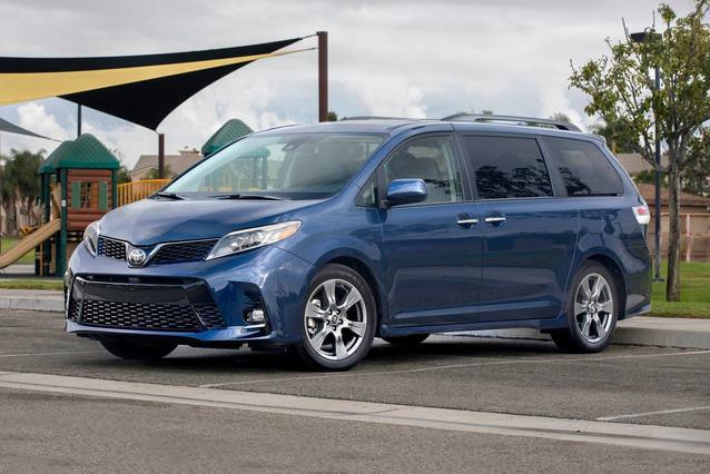 2020 Toyota Sienna XLE PREMIUM XLE PREMIUM AWD 7-PASSENGER Mini-van, Passenger Slide 0