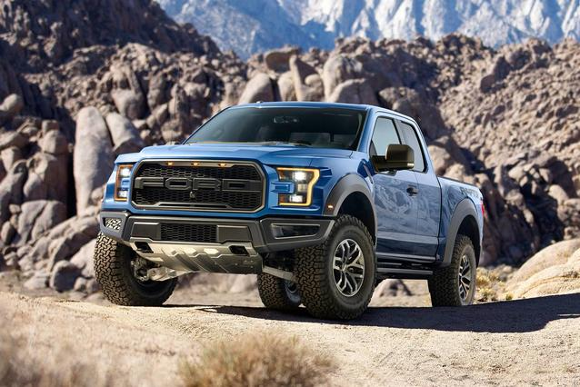 2019 Ford F-150 PLATINUM Crew Cab Pickup Slide 0