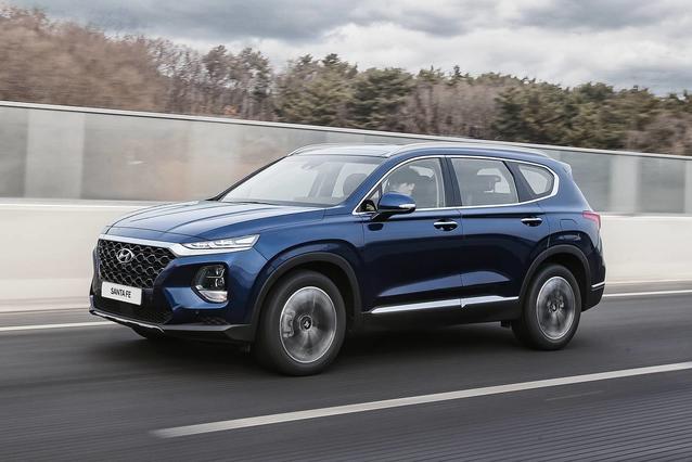 2019 Hyundai Santa Fe LIMITED Sport Utility Slide 0