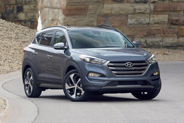 2018 Hyundai Tucson SEL PLUS SUV Slide 0