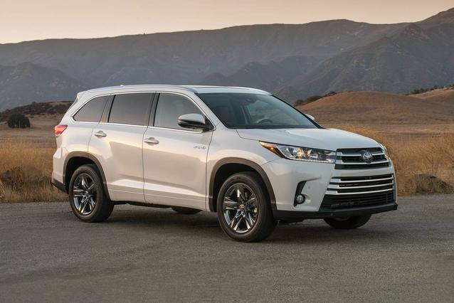 2019 Toyota Highlander Hybrid LIMITED PLATINUM Slide 0