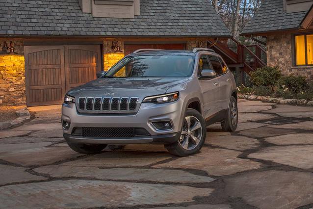 2019 Jeep Cherokee TRAILHAWK ELITE Sport Utility Slide 0