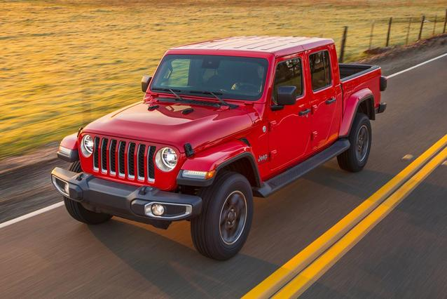 2020 Jeep Gladiator SPORT S Short Bed Slide 0