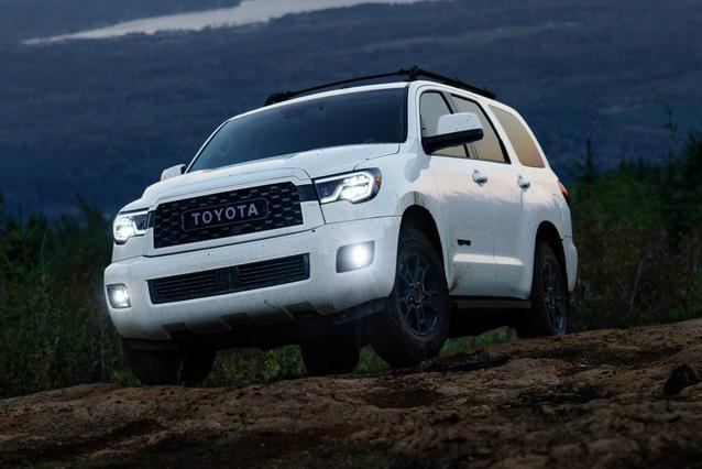2020 Toyota Sequoia PLATINUM PLATINUM 4WD Sport Utility Slide 0