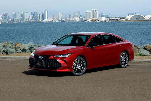 2020 Toyota Avalon LIMITED LIMITED 4dr Car Slide 0