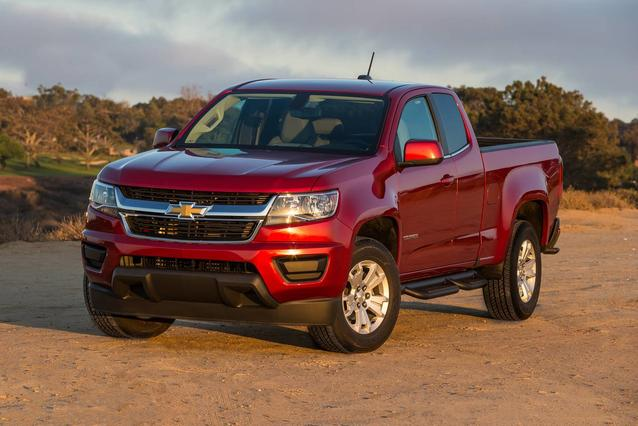 2018 Chevrolet Colorado LT 4x2 LT 4dr Crew Cab 5 ft. SB Slide 0