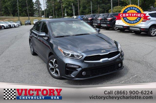 2019 Kia Forte LXS 4dr Car Slide 0