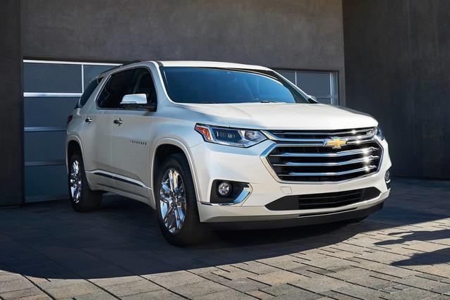2020 Chevrolet Traverse LT CLOTH SUV Slide 0
