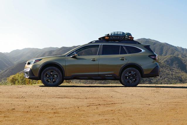 2020 Subaru Outback LIMITED SUV Slide 0