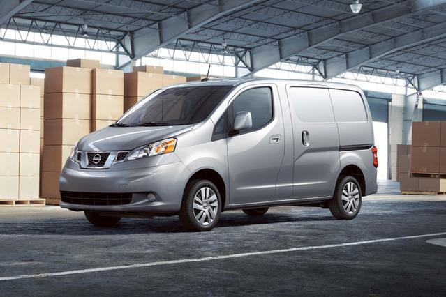 2017 Nissan NV200 Compact Cargo SV Minivan Slide 0