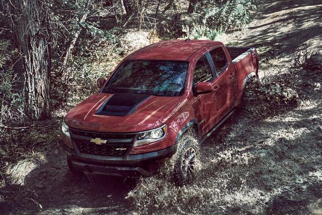 2017 Chevrolet Colorado 2WD Z71 Crew Cab Pickup Slide 0
